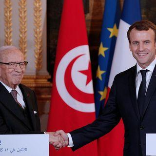 Macron in Tunisia: Pioggia di miliardi per investimenti e occupazione giovanile
