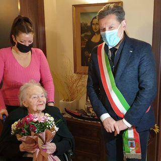 """Nonna Severina dopo aver battuto il Covid spegne 108 candeline ed entra nella """"Top 100"""""""