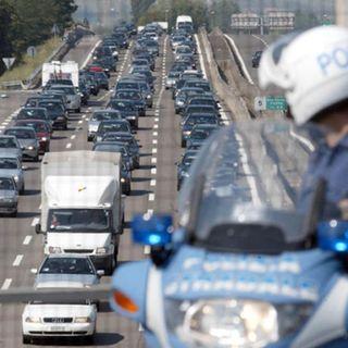 Traffico a rilento sul tratto vicentino dell'A4: cinque incidenti in 40 km e due cantieri