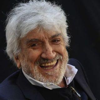 Addio a Gigi Proietti: ad 80 anni ci lascia un grande e poliedrico artista