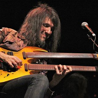 "Ron ""Bumblefoot"" Thal on his influences, Sons Of Apollo, writing lyrics and more!"