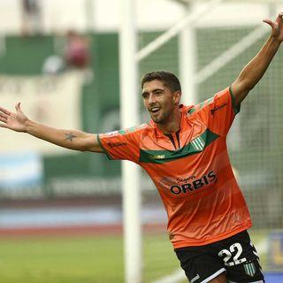 Gol de Banfield: Juan Álvarez 2-2