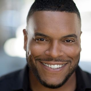 Actor Sean Ringgold talks acting, #FamilyBusiness on #ConversationsLIVE
