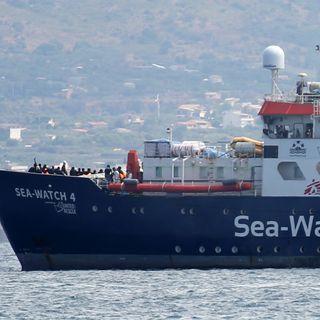 Sea Watch 4, una crudeltà far sbarcare i migranti in Italia