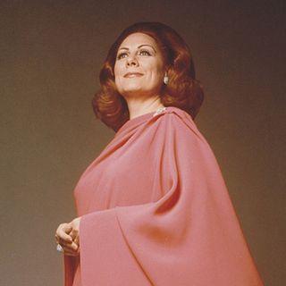 """Tutto nel Mondo è Burla Estate  - stasera all'opera Renata Tebaldi 15 novembre 1975  Napoli - Teatro di San Carlo: """"Recital"""""""