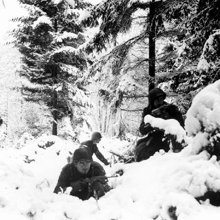 Episode 1164 - This Day in History: A little-known WWII Christmas Eve truce