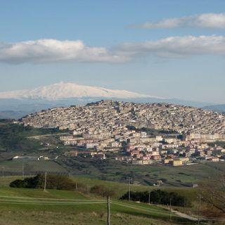 Gangi il borgo medievale che vive all'ombra di sua maestà Etna