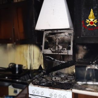 Incendio in cucina, 30enne intossicato. Ricoverato in gravi condizioni, è fuori pericolo
