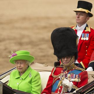 Queen Elizabeth II Remains Indoors For 12th Consecutive Day