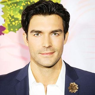 CHRISTMAS MUVIES SPOTLIGHT SPECIAL EDITION WITH SPECIAL GUEST PETER PORTE