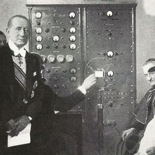 7) IN COMUNICAZIONE - Un veloce sguardo al recente passato