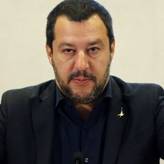 Salvini: o ti confronti o TACI