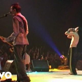 Duman - Ah (Live At Bostancı Gösteri Merkezi - İstanbul - 04 Ekim 2003)
