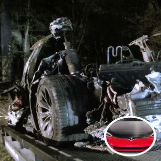 U.S.A :  2 Killed in Driverless Tesla Car Crash in Texas.