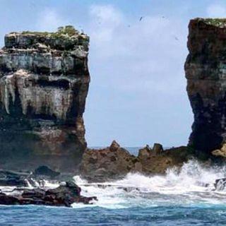 Disastro alle Galapagos, crollato l'arco di Darwin