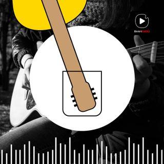 Chiara e la sua chitarra - Creatività e Passioni #05