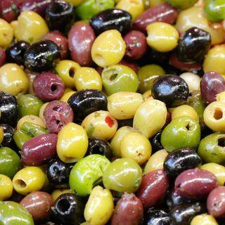 Olive, si possono mangiare a dieta?