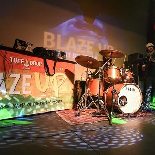 Blaze Up intervista con Raina - Cavelab Music Factory