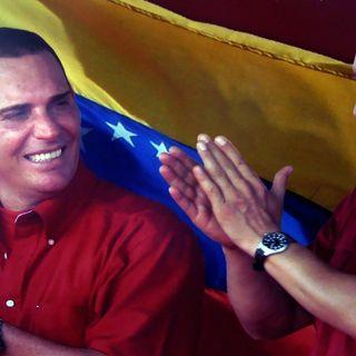 Viva Chavez, viva Maduro, abbasso il M5S
