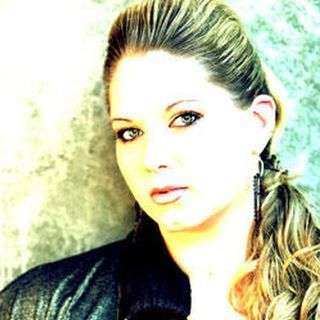Sheila Swift