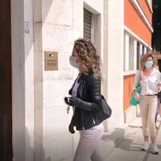 Chiavi dei negozi consegnate in Municipio. La protesta dei commercianti (VIDEO)