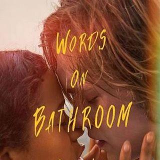 Palabras en las paredes del baño