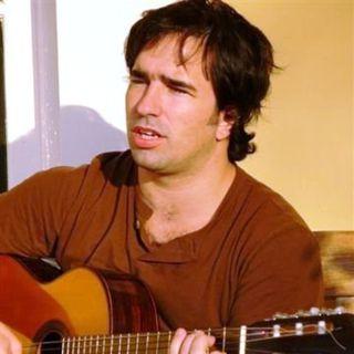 Músico y poeta Pedro Nazar