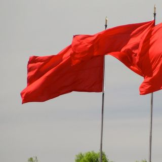 Episode 149 Red Flags and Signs Never Lie