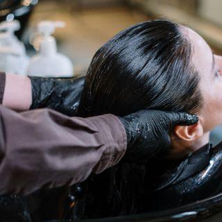 """La Prefettura fissa la """"distanza di tolleranza"""" per clienti di parrucchieri e saloni estetici"""