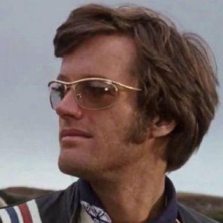 Parliamo Peter Fonda, ricordando il brano cult degli Steppenwolf e persino i Beatles…