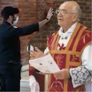 """Intervista a Don Lino: """"così ho cacciato gli agenti che hanno profanato la chiesa"""""""