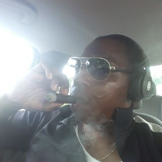 Smokeblues Review