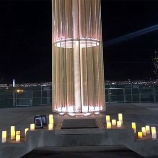 Develan monumento por muertos en Walmart de El Paso