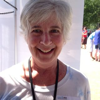 Community Stories: Deb Kallen shares about environmental change through green smoothies