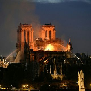 Episode 3 - Bastien Show : Notre Dame De Paris Sous Les Flammes !