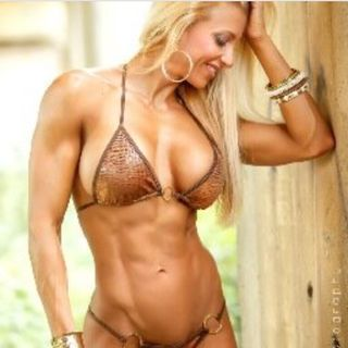 Ep.156 – The Challenges of a Fitness Model