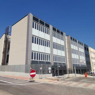 """Avvio scuola: i """"mille"""" del Corradini per la prima volta in aula nello stesso plesso"""