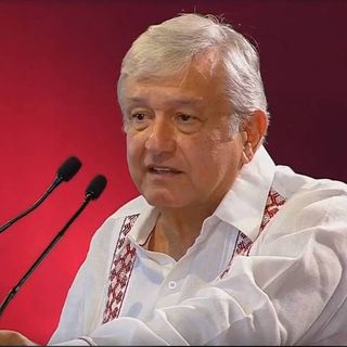 AMLO continúa gira por Michoacán