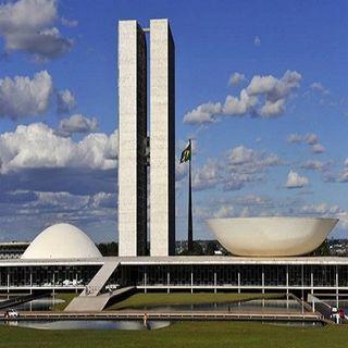 O Brasil tem um parlamento frouxo, covarde e corrupto