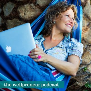 Social Media and Personal Branding with Esther Jacobs {s03e12}
