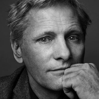 "Viggo Mortensen Shows His Racism & Later Apologizes. Let's Talk.""🤔"