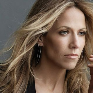 "Sheryl Crow Back Peddles After M.J. Backlash, Saying ""My Words Were Taken Out Of Context""👎😒🔥"