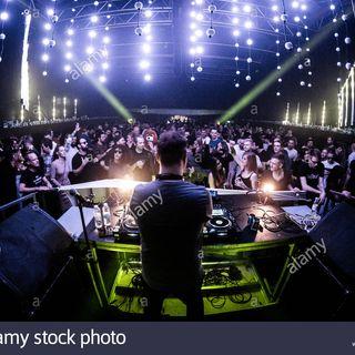 LIVE STUDIOS MANIA DANCE BY ALEX C. DJ . n . 5 - 2020 .