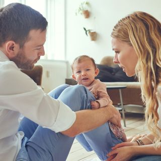 Come evitare la crisi di coppia con l'arrivo del primo figlio