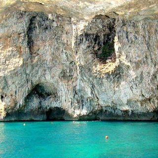 Una meraviglia tutta Salentina la Grotta Zinzulusa