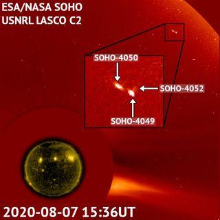 608-Triple Comet