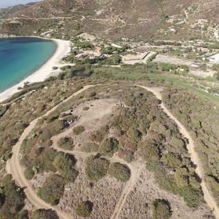 Sardinia Archeo Festival in tour: Scavi nell'insediamento di Cuccureddus a Villasimius, con la guida dell'archeologo Michele Guirguis