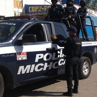 Comando armado asesina a 14 policías en Michoacán