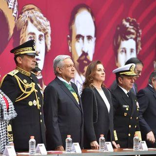 AMLO entrega condecoraciones y ascensos a Fuerzas Armadas