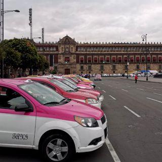 Taxistas bloquean avenidas principales de la ciudad
